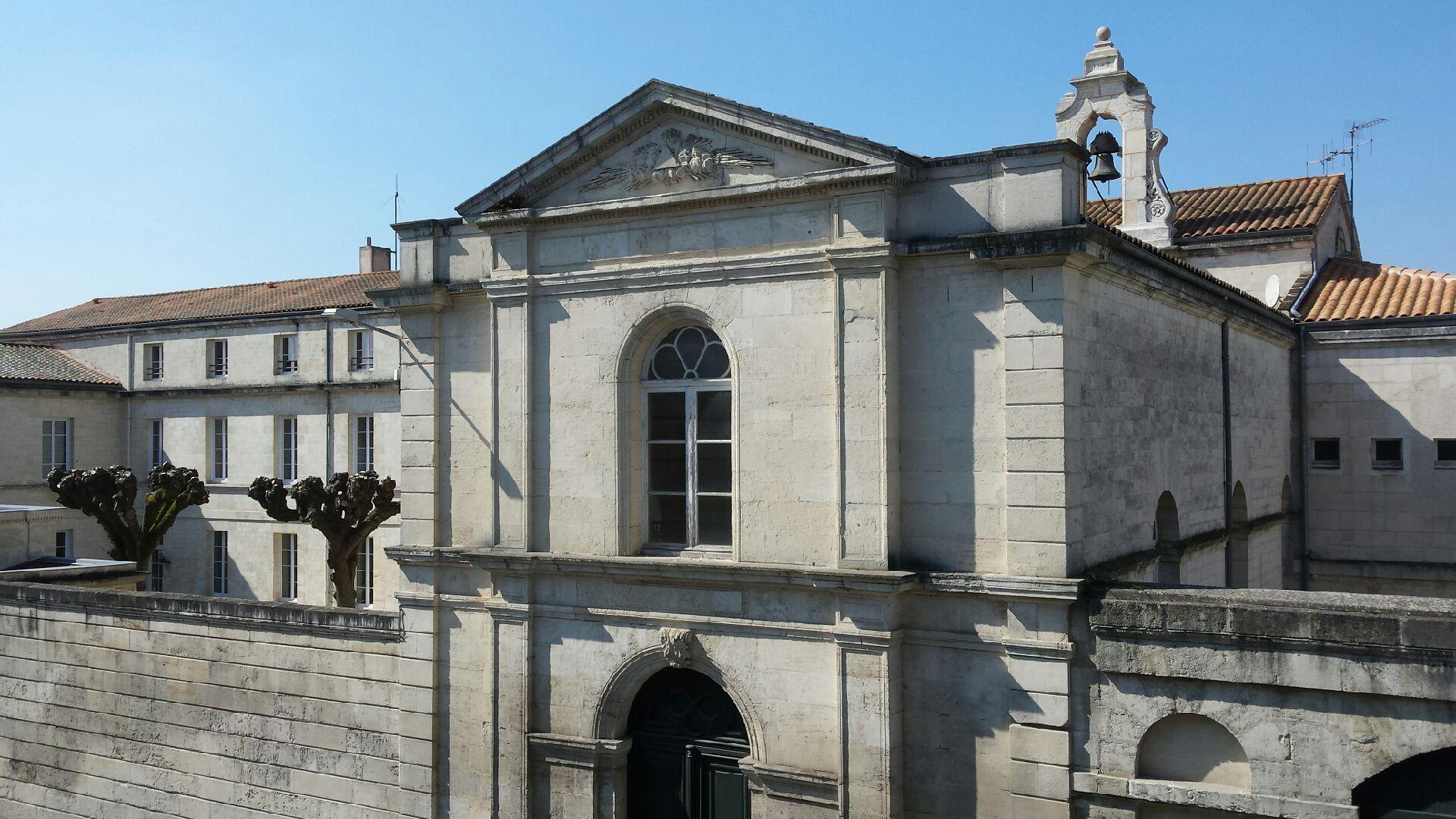 Vue de la fenêtre de la chambre Florence Knoll sur la Préfecture